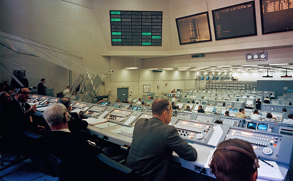 NASA Moon Control Room (Photo)